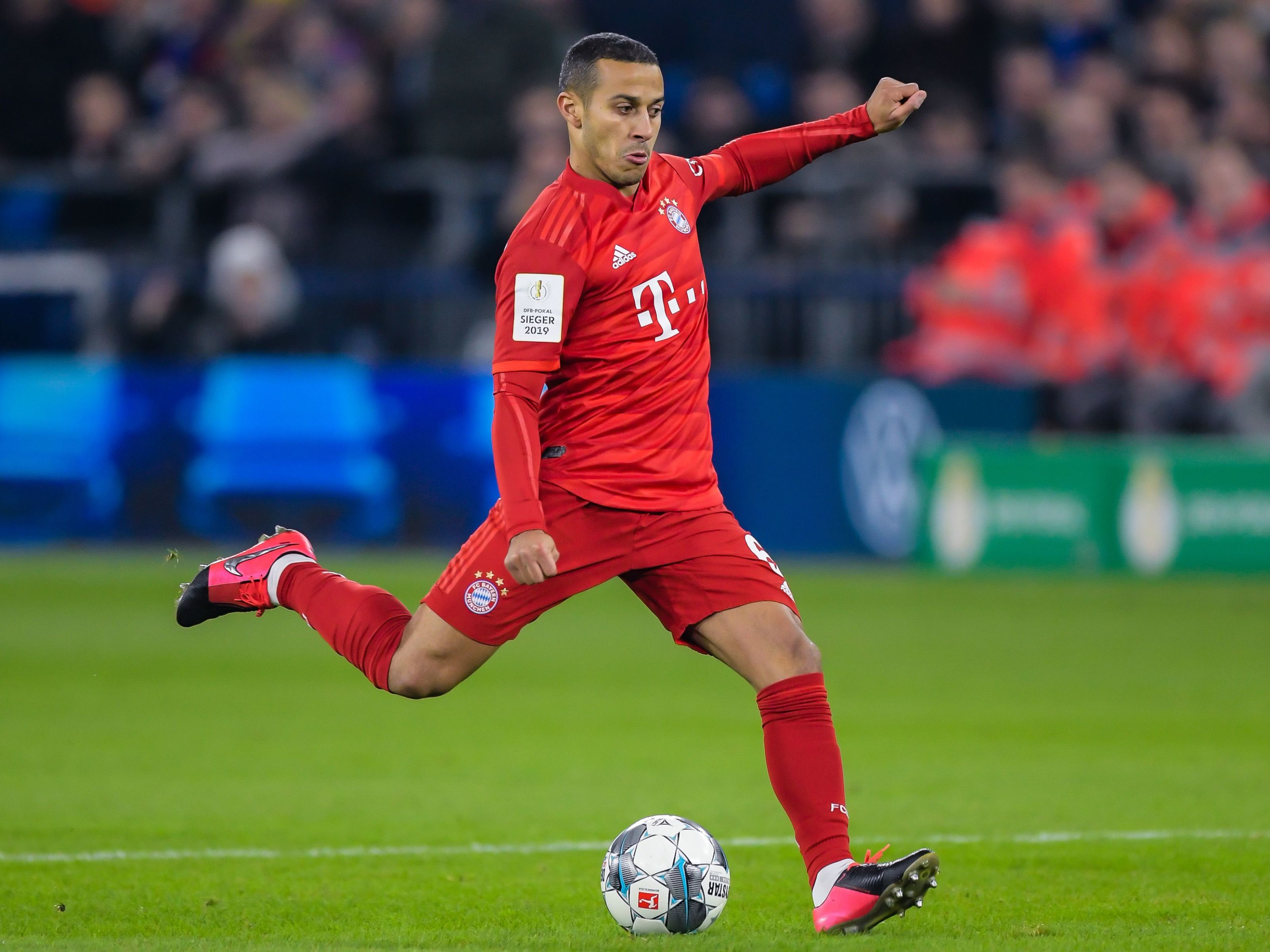 Bayern Munich midfielder Thiago Alcantara agrees terms with Liverpool