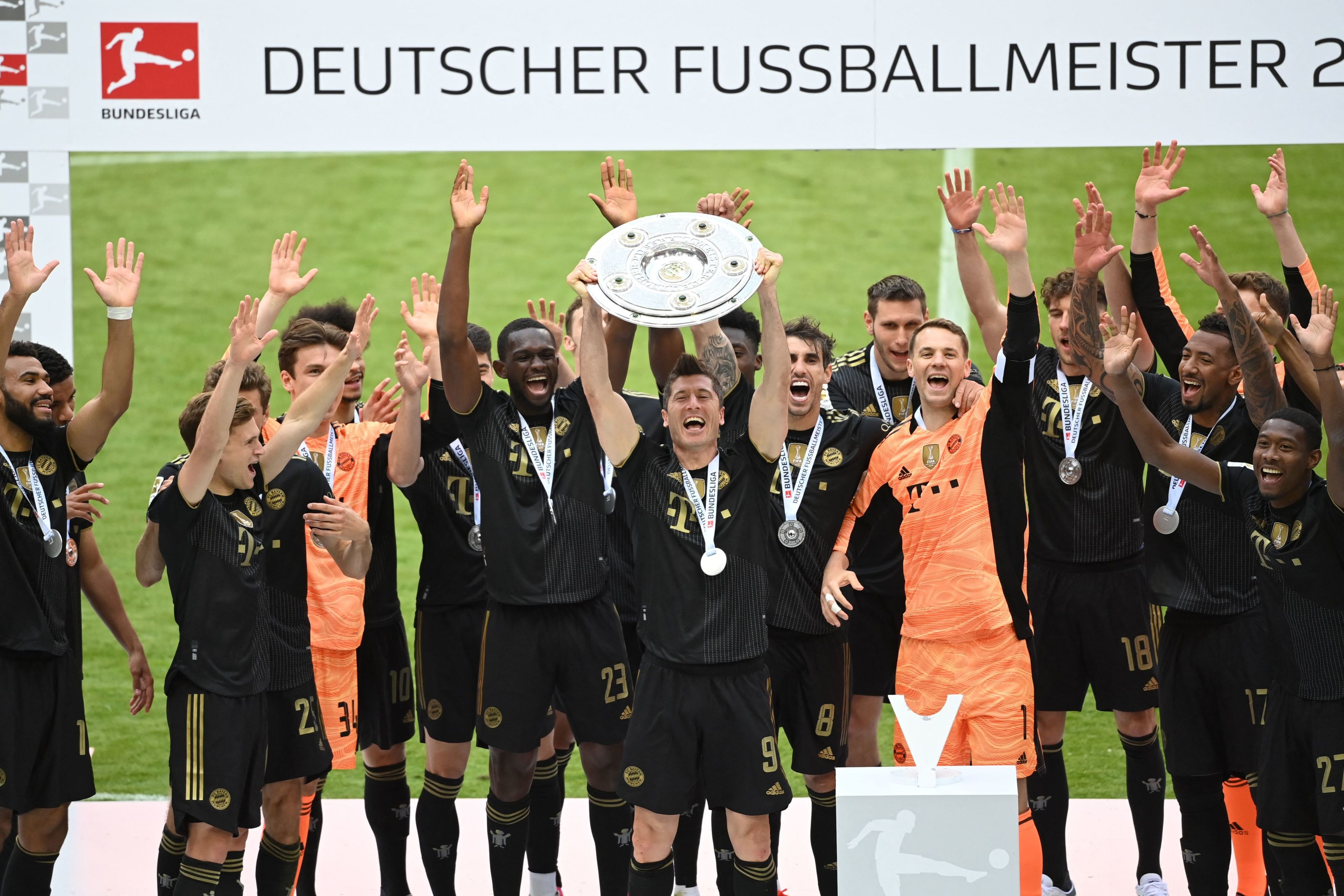 Bayern Munich Three Key Stats From 5 2 Win Over Augsburg